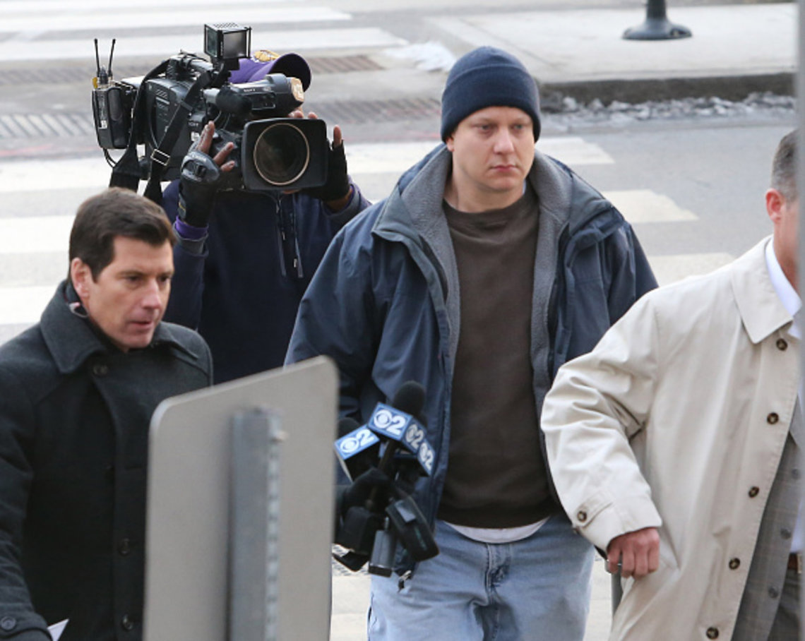 Chicago police Officer Jason Van Dyke arrives at the Leighton Criminal Courthouse in Chicago on Nov. 24, 2015.
