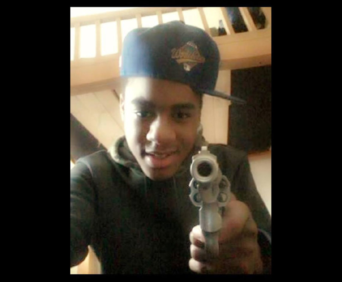 Kahton Anderson in a selfie, holding the .357 Magnum he used on March 20, 2014.