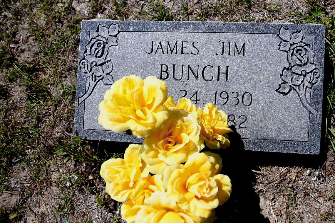 James Bunch's gravesite in Bonneau, S.C.