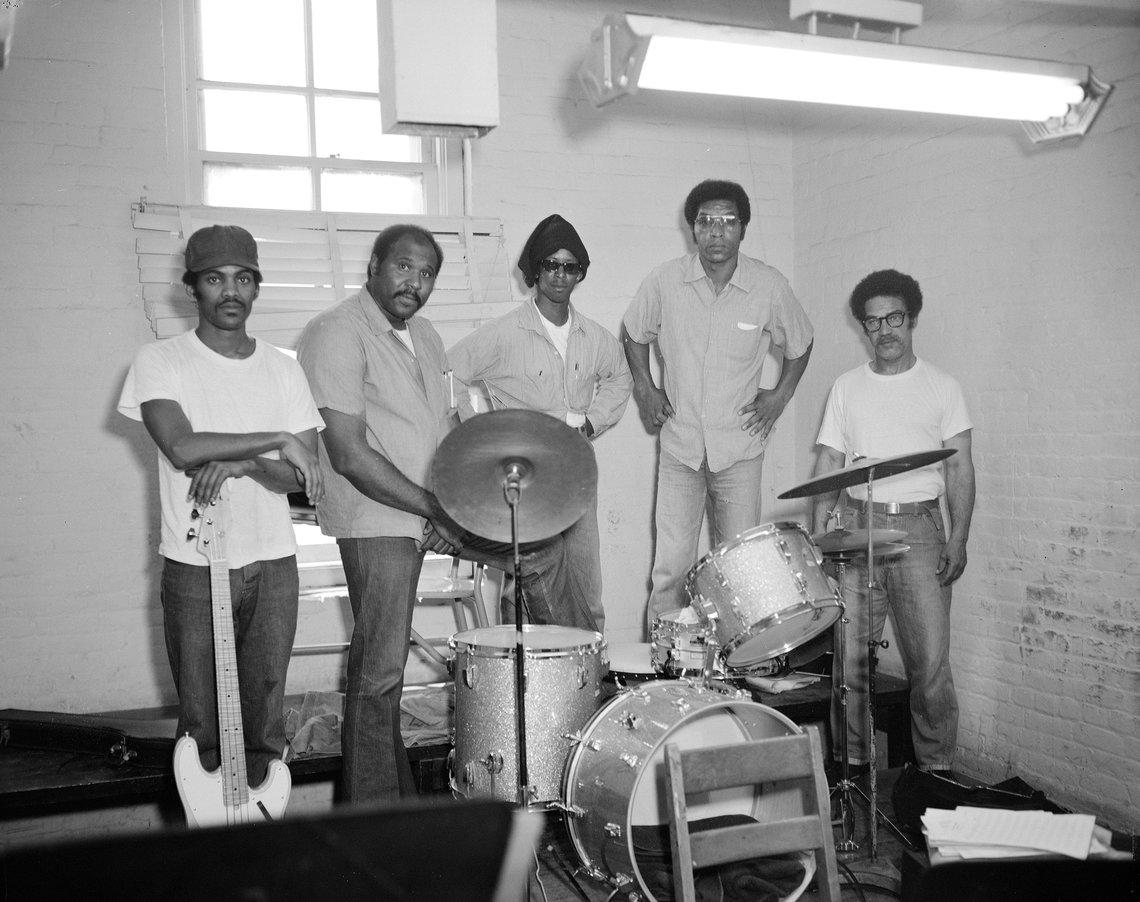 Prison Rock Band, 1975